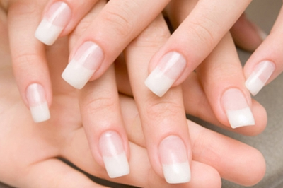 Gel Nails vs Acrylic Nails: Which is Better? | PamperPad