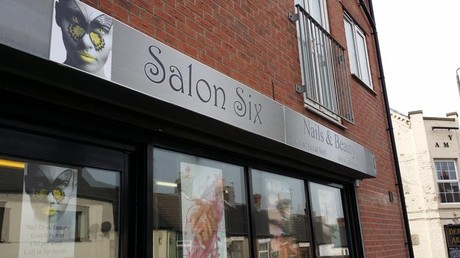 Salon Six